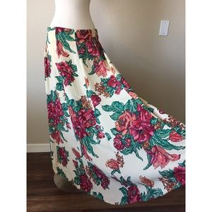 Vintage All Over Floral Print Maxi Skirt